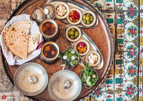 نمادهای تاریخی و سنتی در بهترین رستوران ایرانی | حستوران