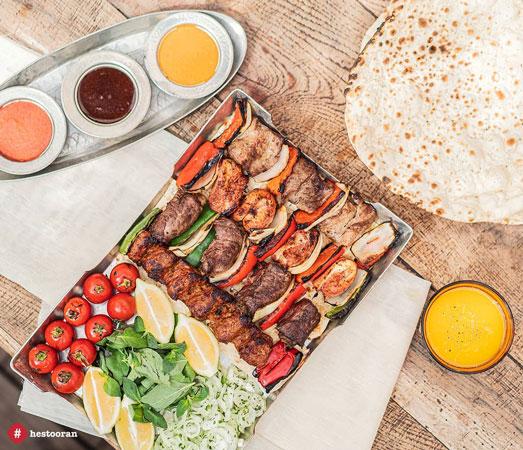 غذای ایرانی دز حس توران مکانی با معماری اصیل